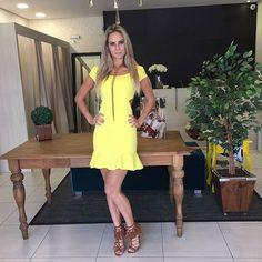 Oii meninas 😍😍😍 hj foi corrido, mas não podia deixar de postar esse look inspirador pra essa segunda linda! Amanhã chegam muitas novidades na loja, esperamos vocês 😚😚 Corre pra cá ! Vendas via whatts ou loja física. Enviamos pra todo Brasil!.✈ Valores e informações 👇 Whats 📱(48) 984443862 Fixo 📞 (48) 3241-6320 #looklindo #inlove #moda #madammecharmosa #vendasonline #anemess #chamanowhats #vempracá