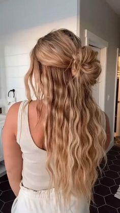 Easy Hairstyles For Long Hair, Cute Hairstyles, Hair Upstyles, Aesthetic Hair, Great Hair, Hair Videos, Gorgeous Hair, Hair Looks, Hair Inspiration
