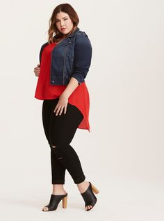 Every woman enjoys wearing clothing that compliments her particular size and shape, and this may be even more true for generously sized ladies. It can be especially challenging for these women to find attractive and trendy plus size fashion items that. Fashion Mode, Curvy Women Fashion, Fashion Outfits, Plus Fashion, Womens Fashion, Curvy Outfits, Plus Size Outfits, Casual Outfits, Curvy Clothes