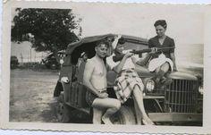Three girls, a guy, a gun and a Jeep