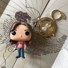 Its called a Time-Turner Hermione whispered and I got it from Professor McGonagall on our first day back. Ive been using it all year to get to all my lessons. Harry Potter Funko Pop Collection - Number 43 - Hermione Granger with a Time-Turner Harry Potter Pop Vinyl, Harry Potter Toys, Harry Potter Sorting, Harry Potter Decor, Harry Potter Aesthetic, Book Aesthetic, Time Turner, Pop Collection, Armada