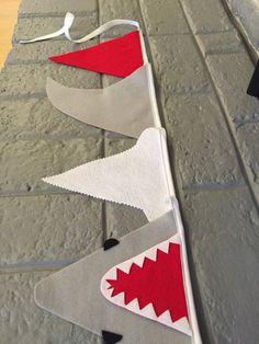Der weiße Hai Shark Banner / Shark Ammer / Shark von BuntingSeason