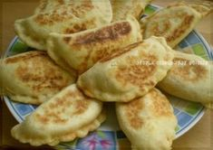 Fatayer within the pan Lebanese Recipes, Turkish Recipes, Fatayer, Tunisian Food, Ramadan Recipes, Cook At Home, Middle Eastern Recipes, Arabic Food, Iftar