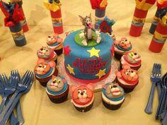 Tom And Jerry Cake, Birthday Breakfast, Birthday Parties, Birthday Cakes, Birthday Ideas, Cupcake Toppers, Fondant, Toms, Birthdays