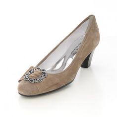 Pumps in Beige von Alberto la Torre Ballerinas, Elegant, Beige, Heels, Shopping, Fashion, Tower, Velvet, Suede Fabric