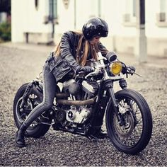 MotorStof.nl (@motorstof.nl) • Instagram-foto's en -video's Ducati, Yamaha, Fantastic Beasts 2, Cafe Racer Style, Biker Gear, Custom Harleys, Harley Davidson Sportster, Bike Life, More Photos