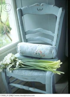Shabby chic, vintage chair & paperwhites