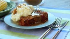 When I was growing up, my mom never ever made meatloaf and I always wanted to try it. I started experimenting with different recipes and I finally came up with the best meatloaf I have ever made! Classic Meatloaf Recipe, Good Meatloaf Recipe, Best Meatloaf, Meatloaf Recipes, Meat Recipes, Dinner Recipes, Cooking Recipes, Ranch Meatloaf, Italian Meatloaf