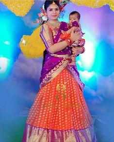 Half Saree Lehenga, Kids Lehenga, Saree Dress, Anarkali Gown, Sarees, Mom Daughter Matching Dresses, Mom And Baby Dresses, Pattu Saree Blouse Designs, Half Saree Designs