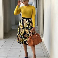 Dress work attire Yellow blouse and floral skirt Wandschrank Classy Work Outfits, Modest Outfits, Chic Outfits, Fall Outfits, Dress Outfits, Modest Wear, Corporate Attire, Corporate Fashion, Business Casual Attire