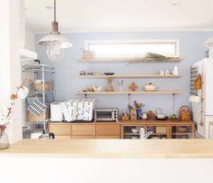 北欧風キッチン収納&ダイニングインテリア実例61選をご紹介♡ | folk Home Decor Decals, Entryway Bench, Japanese House, Furniture, Shelves, Kitchen, Interior Design, Home Decor, Entryway