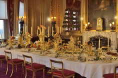 Must see: Annual Christmas exhibit at Windsor Palace... Grand Service at Windsor Castle... The Grand Service on display in the State Dining Room at Windsor Castle. Courtesy of The Royal Collection Trust