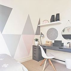 Decorate your room in a new style with murphy bed plans Home Office Inspiration, Murphy Bed Plans, Ideas Hogar, Teen Girl Bedrooms, Teen Bedroom Colors, Room Themes, My New Room, Dream Bedroom, Girl Room