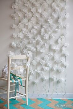 Cocktail Napkin Flower Garlands Photo Booth Backdrop 14 Charming DIY Photo Booth Backdrops For Wedding - Inspired Bride Paper Flower Garlands, Paper Flower Backdrop, Floral Garland, Diy Flowers, Paper Flowers, Tissue Flowers, Hanging Flowers, Diy Photo Booth Backdrop, Diy Wedding Photo Booth