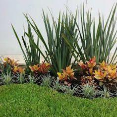 PEQUEÑOS RINCONES: Jardines de estilo moderno por EcoEntorno Paisajismo Urbano #jardinespatios