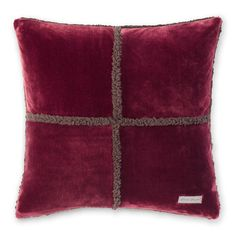 Add some rustic comfort to your living area with the Eddie Bauer Rockford Fleece Sherpa Throw Pillow. This large pillow is soft and plush, and is sure to give your gathering place extra coziness and style.