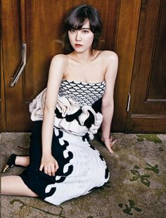 Gu Hye Sun transforms into a beautiful porcelain doll for MR Magazine