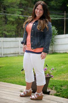 Full Figured & Fashionable: WHITE JEAN CAPRIS Full Figured & Fashionable Plus size fashion for women Plus Size Fashion Blogger Full Figured & Fashionable sweetcarolineboutique http://fullfiguredandfashionable.blogspot.com/