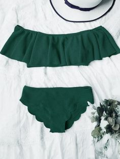 SHARE & Get it FREE | Scalloped Off The Shoulder Bikini Set - Deep GreenFor Fashion Lovers only:80,000+ Items • New Arrivals Daily Join Zaful: Get YOUR $50 NOW!