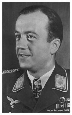 ✠ Bernhard Jope (10 May 1914 - 31 July 1995) RK 30.12.1940 Oberleutnant Flugzeugführer i. d. 2./KG 40 + 24.03.1944 [431. EL] Major Kommodore KG 100