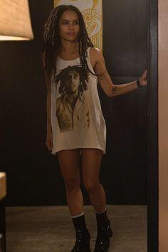 Porque a Zoë Kravitz em High Fidelity é tudo pra mim Lenny Kravitz, Zoe Kravitz Style, Zoey Kravitz, Zoe Kravitz Tattoos, Zoe Kravitz Braids, Lisa Bonet, Casual Street Style, Street Style Looks, Unique Style