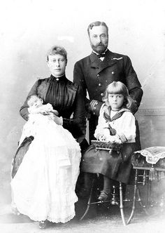 Victoria and Louis with daughters Alice and Louise