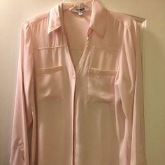 Express Classic Fit Portofino blouse Light pink flowy Portofino blouse Express Tops Blouses