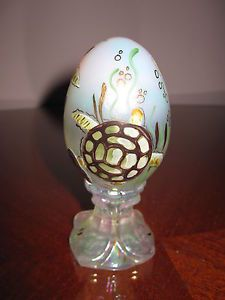 FENTON PEDESTAL EGG HAND PAINTED WITH TORTOISE