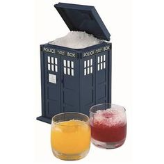 Doctor Who TARDIS Ice Bucket    http://www.entertainmentearth.com/prodinfo.asp?number=UTDR58=LY-012045602
