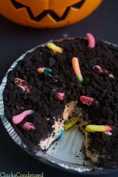 Dirt and Worms Pie - a great Halloween dessert!