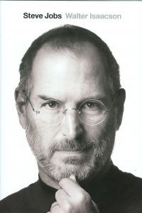 """Read """"Steve Jobs The Exclusive Biography"""" by Walter Isaacson available from Rakuten Kobo. From bestselling author Walter Isaacson comes the landmark biography of Apple co-founder Steve Jobs. In Steve Jobs: The . Benjamin Franklin, Steve Jobs Walter Isaacson, Steve Jobs Book, Steve Jobs Photo, Books To Read, My Books, Film D'animation, Martin Luther King, Change The World"""