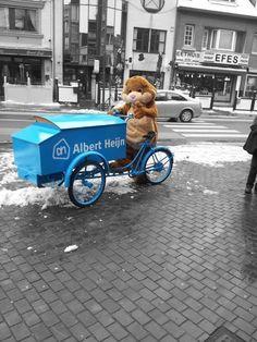 De Albert Heijn hamster fietst rondjes in Mol en deelt lekkers uit! Holland, Baby Strollers, Children, The Nederlands, Baby Prams, Young Children, Boys, Kids, The Netherlands