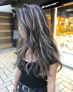 Hair Color Streaks, Hair Dye Colors, Hair Color For Black Hair, Bold Hair Color, Skunk Hair, Balayage Blond, Blonde Brunette, Hair Color Underneath, Mode Hipster