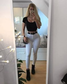 Which outfit is your favourite?Which outfit is your favourite? Girly Outfits, Chic Outfits, Grunge, White Skinny Jeans, Girl Photo Poses, Sexy Jeans, Rock, Girls Jeans, Athletic Wear