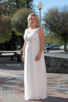 0c32966ed3d Wedding Dresses White Boho Dress - Bílé dlouhé splývavé svatební šaty  zdobené krajkou -Svatební studio Nella
