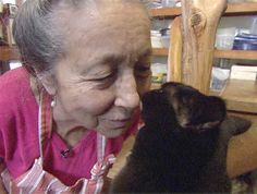 'Cat lady' finds homes for 900 felines