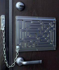 Maze Door Chain Lock - the Defendius Labyrinth Security Lock Door Chains, Decoration Originale, Escape Room, Door Locks, Front Door Decor, Front Doors, Door Design, Door Handles, Geek Stuff