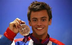 Tom Daley :3 excuse me as I fan girl