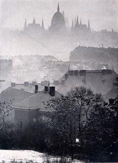 József Németh Winter fog, Budapest, Thanks to yama-bato and scanzen Beautiful Buildings, Beautiful Places, Pix Art, Art Corner, Winter Photos, Budapest Hungary, Vintage Photographs, Vintage Photos, Winter Wonder