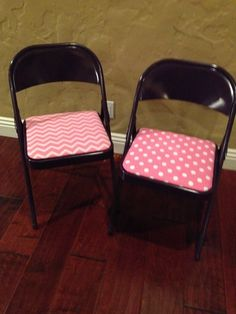 New craft room chairs.