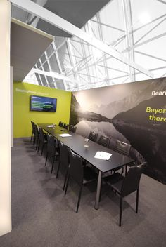 Meetingraum innerhalb eines Messestandes in Nizza Trade Show, Conference Room, Table, Furniture, Home Decor, Graz, Decoration Home, Room Decor, Tables