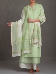 Green Embroidered V Neck Cotton-Linen Kurta
