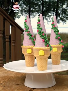 Bird On A Cake: Rapunzel Tower Cupcakes - excellent cupcake in ice cream cone tutorial
