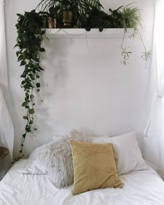 Pinterest: @AWIPmegan Love the hanging plant ? Smaller shelf in bathroom between sink & bath? Or above tiling in bath