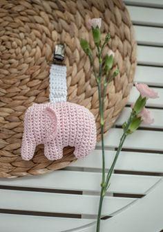 Handmade and beautiful: Elephant carriage toy. Crochet Elephant Pattern, Owl Crochet Patterns, Crochet Snowflake Pattern, Amigurumi Patterns, Crochet Baby Mobiles, Crochet Baby Toys, Crochet Animals, Free Crochet, Stuffed Animal Patterns