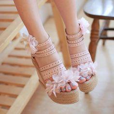 Sweet Flower Peep Toe High Wedge Heel Platform Sandal