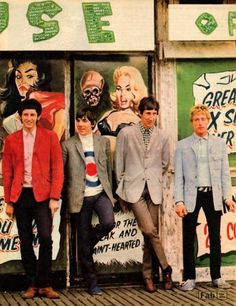 The Swinging Sixties (I have this photo in my room! Keith Moon, Roger Daltrey, 60s Music, Music Icon, Great Bands, Cool Bands, Get Down On It, Style Année 60, Rock And Roll History