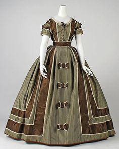 Evening Dress 1866, British, Made of silk