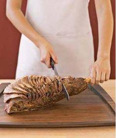 How to Carve a Leg of Lamb - Food Carving Ideas Lamb Recipes, Greek Recipes, Meat Recipes, Cooking Recipes, Greek Meals, Supper Recipes, Turkish Recipes, Lamb Shanks, Lamb Chops
