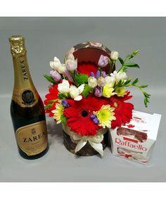 Cadou, flori pentru zi de nastere, sampanie si ciocolata Flower Arrangements, Anniversary, Table Decorations, Gifts, Raffaello, Floral Arrangements, Presents, Favors, Gift